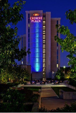 The Last Day To Get Legendary Haunt Tour Ed Hotel Rate At Crowne Plaza Chicago O Hare Has Been Extended Wednesday November 4th
